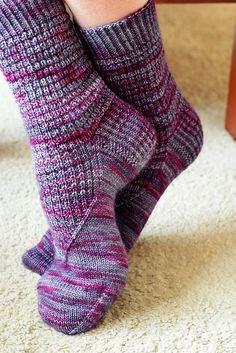 Woodmere Socks pattern by Jo-Anne Klim Ravelry: Woodmere Sockenmuster von Jo-Anne Klim Crochet Socks, Knitting Socks, Hand Knitting, Knitting Patterns, Knit Socks, Knit Mittens, Ravelry, Cosy Socks, Alpaca Socks