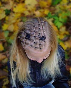 . #braid #braids #braided #braiding #braidideas #braidsforgirls #flette #peinado #tresse #trenza #pelo #hair #hairdo #hairstyle #hairideas #hairinspo #hairoftheday #hår #fall #høst #frisyre #styling #halloween #happyhalloween #spider