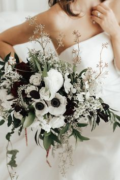 35 Green Black And White Wedding Ideas for Fall 2019 - EmmaL.- white and greenery wedding bouquet with black - Winter Wedding Flowers, White Wedding Bouquets, Bridal Flowers, Flower Bouquet Wedding, Floral Wedding, Fall Wedding, Wedding Colors, Wedding White, Flower Bouquets