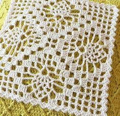 Crochet Accessories Free Pattern, Crochet Squares, Weaving, Album, Blanket, Crochet House, Crochet Table Runner, Crochet Bedspread, Table Toppers
