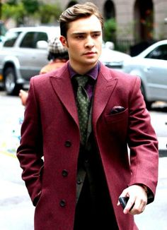 "I'M CHUCK BASS ""People like me don't write books, they're written about."" Chuck Bass/Edward Westwick"