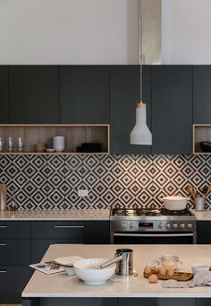 If you are looking for Black Kitchen Cabinets Design Ideas, You come to the right place. Here are the Black Kitchen Cabinets Design Ideas. Kitchen Room Design, Kitchen Cabinet Design, Modern Kitchen Design, Home Decor Kitchen, Interior Design Kitchen, Black Kitchen Cabinets, Black Kitchens, Kitchen Tiles, Kitchen Countertops