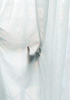 gesture by dejardeserunnombre on Flickr.