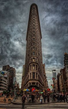 Flatiron Building, Manhattan, New York City. One of the coolest buildings in NYC. Futuristic Architecture, Art And Architecture, Beautiful Buildings, Beautiful Places, Places To Travel, Places To See, New York Wallpaper, Flatiron Building, City Aesthetic