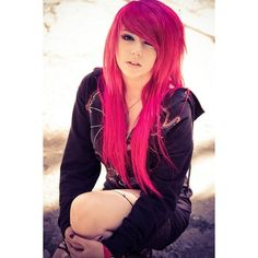 Scene/Emo Boys Girls ❤ liked on Polyvore featuring hair, people, girls, hairstyles and pictures