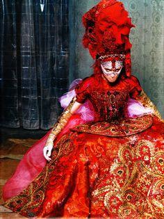 Madonna in Alexander McQueen | Opulence