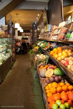 green grocer - small sustainable grocers help communities.