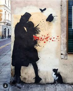 The street art of the artist Kenny Random in the streets of Padova. Banksy Graffiti, Arte Banksy, Graffiti Kunst, Bansky, Street Mural, Street Art Graffiti, Mural Art, Wall Art, Pop Art