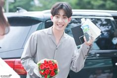 is he not the most precious thing in the world ! im so soft White Roses, Red Roses, Star Company, J Star, Rose Crown, Rose Park, Fandom, Kpop Boy, Wallpaper
