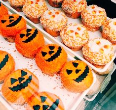 Some Halloween treats I'd really love to have in my life right noYou can find Halloween food and more on our website. Halloween Season, Holidays Halloween, Halloween Treats, Happy Halloween, Halloween Decorations, Halloween Countdown, Halloween Costumes, Autumn Cozy, Happy Fall Y'all