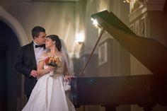 LOVE Wedding Dresses, Gallery, Wedding Ideas, Reading, Books, Fashion, Bride Dresses, Moda, Bridal Gowns