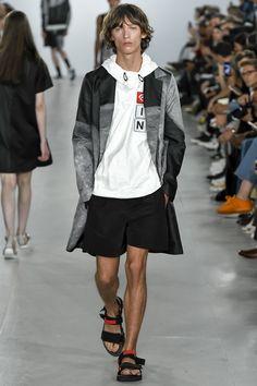 Christopher Raeburn Spring 2017 Menswear Fashion Show