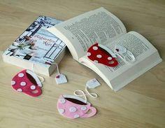 keçeden kitap ayracı ile ilgili görsel sonucu Craft Projects For Kids, Diy Crafts For Kids, Arts And Crafts, Felt Projects, Foam Crafts, Paper Crafts, Sewing Crafts, Sewing Projects, Felt Bookmark
