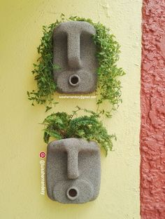 Creative Masks look like they're made of stone. Plastic Jug Mask Planters, #DIY… (Bottle Recicle)