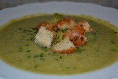 Fotorecept: Brokolicov? polievka Thai Red Curry, Chicken, Meat, Ethnic Recipes, Food, Essen, Meals, Yemek, Eten