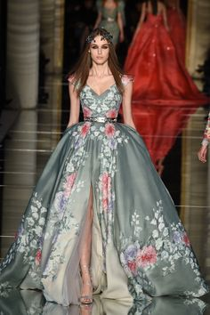 Zuhair Murad Spring 2016 Couture: the perfect ball gown for the Met Gala Ball! I love the neckline and the floral design.