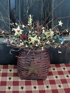 Primitive Basket with Americana Pip Berries by Designawreath