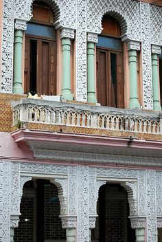 architectural detail - Havana by amorey, via Flickr