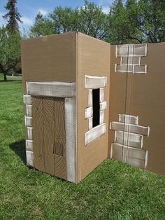 Cardboard maze shaped like Bethlehem village Ward Christmas Party, Christmas Pageant, Christmas Program, Christmas Stage, Christmas Displays, Christmas Parties, Christmas Costumes, Vbs Crafts, Church Crafts
