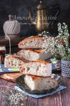 pain de farine à l'huile bien aéré - Amour de cuisine French Food, Four, Favorite Recipes, Cheese, Flat Bread, Pains, Mediterranean Kitchen, Salad, Apple