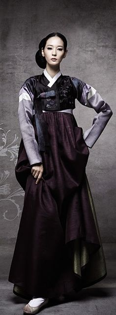 Hanbok (Korean Dress) - steampunk this? Korean Traditional Clothes, Traditional Fashion, Traditional Dresses, Korean Dress, Korean Outfits, Hanfu, Cheongsam, Korean Beauty, Asian Beauty