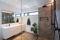Spa Like Bathroom, Bathroom Interior, Small Bathroom, Bad Inspiration, Bathroom Inspiration, Storage Design, Modern Bathroom Design, Decor Styles, House Plans