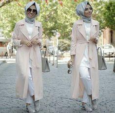 Hulya Aslan street fashion, Hulya Aslan hijab fashion looks http://www.justtrendygirls.com/hulya-aslan-hijab-fashion-looks/