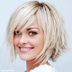 Short Choppy Haircuts, Angled Bob Hairstyles, Haircuts For Fine Hair, Short Hairstyles For Women, Layered Haircuts, American Hairstyles, Oblong Face Haircuts, Fat Face Haircuts, 1940s Hairstyles