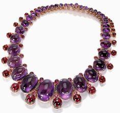 Ювелирное лето. - Надежда Ариана — ЖЖ Sapphire Necklace, Amethyst Jewelry, Diamond Pendant Necklace, Gemstone Necklace, Bvlgari Necklace, Gemstone Pendants, Gold Necklace, High Jewelry, Modern Jewelry