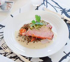Der Kräutermantel macht aus einem währschaften Rippli einen Liebling der Gourmets. Da ist jeglicher Widerstand zwecklos. Kraut, Tuna, Low Carb, Food, Gourmet, Onions, Fresh, Recipies, Food Food