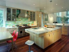 Kitchen Backsplash Designs To Make Your Own Unique Kitchen - Interior Decorating Colors - Interior Decorating Colors Diy Design, Decoration Design, Small Galley Kitchens, Beach Kitchens, Modern Kitchen Backsplash, Kitchen Dining, Backsplash Ideas, Mosaic Backsplash, Diy Kitchen