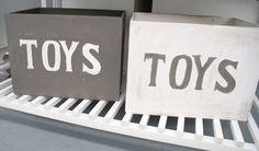 Mooie houten speelgoed kisten.