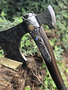 Recently finished making the leviathan axe from god of war - Humor Photo - Humor images - Recently finished making the leviathan axe from god of war The post Recently finished making the leviathan axe from god of war appeared first on Gag Dad. Vikings, Pretty Knives, Enchanted Wood, Homemade Weapons, Armadura Medieval, Viking Axe, Survival Instinct, Battle Axe, Medieval Weapons