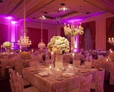 Stunning white table arrangements by Bella Flora of Dallas #bflive www.bellafloraofdallas.com
