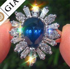 4.81 ct Natural Blue Sapphire #Diamond #Platinum #Engagement Ring www.wonderfinds.com/item/3_330923100651/c164343/Sapphire-Diamond