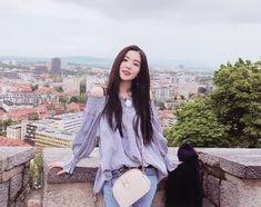 Check out Black Velvet @ Iomoio Seulgi, Irene Red Velvet, Black Velvet, Project Red, Ulzzang Korean Girl, Fashion Face, Girls Generation, Pretty People, Kpop Girls