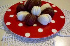 romeo and juliet, kiss, chocolate,