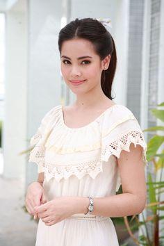 Beautiful Japanese Girl, Beautiful Asian Women, Celebrity Stars, Traditional Dresses, Asian Woman, Asian Beauty, Celebs, Actresses, Womens Fashion