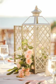 romantic pink centerpieces | Binaryflips Photography | Glamour & Grace