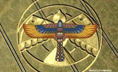 """Crop Circle: Horus """"Falcão Divino"""", Representado Pelo pictograma em Hampton Lucy?"""
