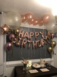 Latest Screen Birthday Decorations adultos Style You don't need to employ an interior developer to produce a massive assertion your … 16th Birthday Decorations, 17th Birthday Gifts, 13th Birthday Parties, Birthday Party For Teens, Birthday Ideas For Women, 19 Birthday, Gold Birthday Party, Happy Birthday Balloons, Surprise Birthday