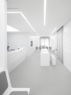 White Space Orthodontic Clinic,© Roland Halbe