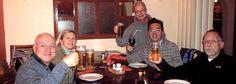 La birra di Tiger in Viet Nam con amici e la guida http://viaggi.asiatica.com/