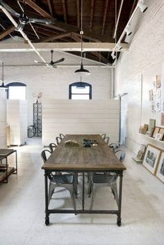 Industrial style studio space - would love to have a personal studio set up like this. Industrial Interiors, Industrial Style, Industrial Dining, Industrial Furniture, Industrial Office Space, Design Industrial, Industrial Pipe, Vintage Industrial, Le Logis