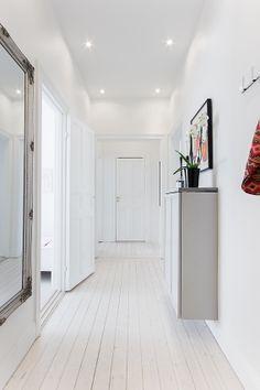 Corridor, Really Cool Stuff, Garage Doors, Interior, Outdoor Decor, Inspiration, Flat, Beautiful, Home Decor