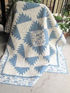 Beautiful blue & white quilt, love the pattern