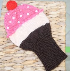Golf club cosy, made to look like cupcake. Golf club cover. Mothers day gift