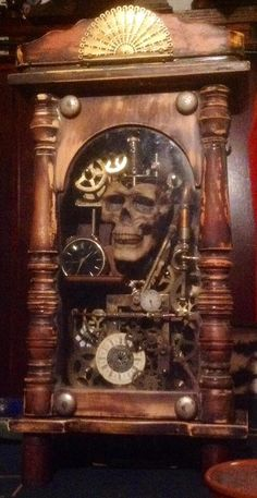Steampunk Cabinet, clock, and all around cool thingy Chat Steampunk, Arte Steampunk, Style Steampunk, Steampunk Gadgets, Steampunk Crafts, Steampunk Clock, Steampunk House, Steampunk Cosplay, Steampunk Design