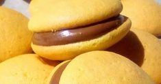 ΠΟΛΥ ΠΟΛΥ ΕΥΚΟΛΑ ΑΦΡΑΤΑ ΤΡΑΓΑΝΑ.ΓΕΥΣΤΙΚΑ ΜΠΙΣΚΟΤΑΚΙΑ ΜΕΣΑ ΣΕ 10 ΛΕΠΤΑ!!! ΣΥΝΤΑΓΗ: Βαζουμε στο μπολ 2 αυγα και 5 κουταλιες της σουπας ... Good Night Flowers, Hot Dog Buns, Coffee Shop, Hamburger, Bread, Cookies, Recipes, Food, Coffee Shops