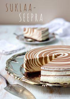 Suklaaseepra Suklaan makuinen seeprakakku on suosikkejani. Sen reseptiä on… Yummy Treats, Delicious Desserts, Sweet Treats, Yummy Food, Sweet Recipes, Cake Recipes, Dessert Recipes, Food Cakes, Cupcake Cakes